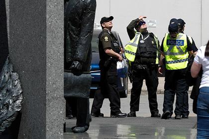 Неизвестный расстрелял четырех человек в Канаде