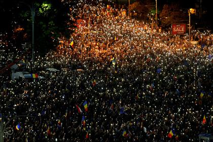 Массовые протесты вРумынии: пострадало неменее 100 человек