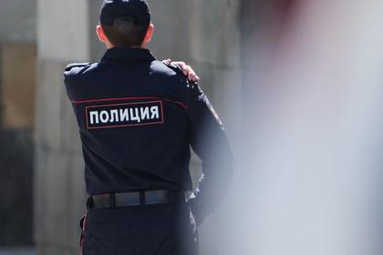 Вор ранил ножом двух полицейских при попытке задержания