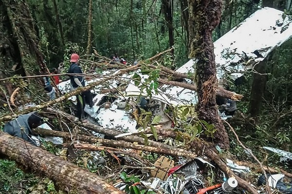On the site of the plane crash, the surviving boy was found: Society: World: Lenta.ru