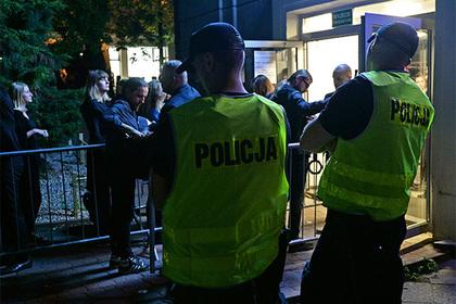 Все полицейские польского города ушли на больничный