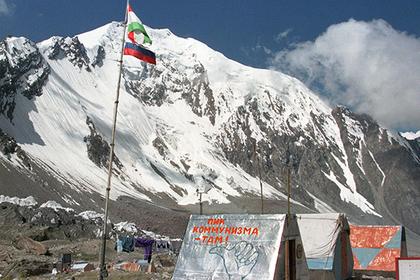 Российские туристы пострадали при жесткой посадке вертолета в Таджикистане
