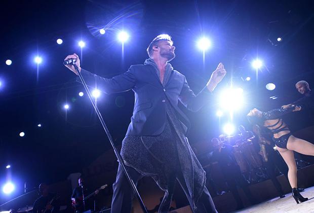 Выступление Рики Мартина на Summer Gala