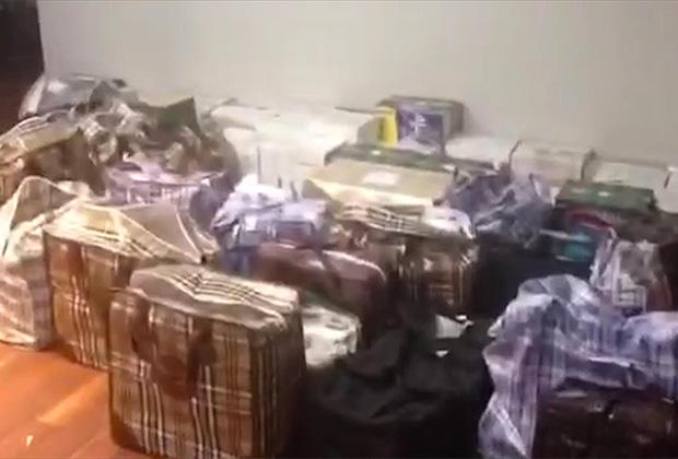 Сумки с деньгами, найденные во время обысков у полковника Захарченко