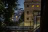 Первое упоминание о Бутырском СИЗО (в то время — Бутырской тюрьме) относится к 1775 году. Тогда, во времена правления Екатерины II, в одной из его башен закованным в цепи содержался до своей казни Емельян Пугачев. Башня и сейчас носит имя донского казака. После казни Пугачева Екатерина II дала согласие на строительство вместо деревянного острога каменного тюремного замка. Замок имел четыре башни: кроме «Пугачевской» были «Полицейская», «Северная» и «Часовая».  <br> <br> В середине XIX века «Бутырка» была центральной пересыльной тюрьмой, позже там стали содержать административных политических ссыльных до их отправки к месту ссылки. В 1916-1917 годах в «Бутырке» отбывал наказание Феликс Дзержинский, он был освобожден после Февральской революции. Немногим ранее, в 1909 году, в тюрьму на полгода угодил Владимир Маяковский. Позже в воспоминаниях поэт писал, что в «Бутырке» освоил азы французского и после перерыва начал писать стихи. «Исписал таким толстую тетрадку. Спасибо надзирателям — при выходе отобрали. А то б еще напечатал», — вспоминал поэт. <br> <br> После Октябрьской революции 1917 года Бутырская тюрьма использовалась, как следственная и пересыльная. В 1930—1940 годы в ней содержались Варлам Шаламов, Осип Мандельштам, Сергей Королев, Александр Солженицын, Евгения Гинзбург и Борис Фомин. В 2000 году в «Бутырке» три дня находился медиамагнат Владимир Гусинский, обвинявшийся в мошенничестве в особо крупных размерах, который затем был отпущен под подписку о невыезде. В настоящее время Бутырский СИЗО — один из крупнейших следственных изоляторов Москвы, он рассчитан на 3500 человек.