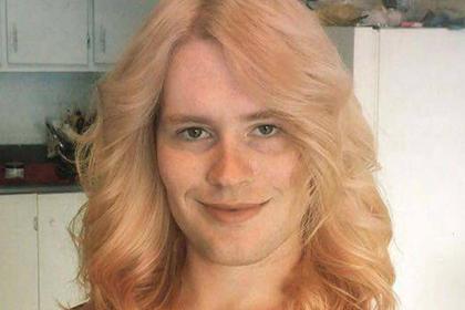 Женщину-трансгендера унизили в аэропорту из-за мужской фотографии в паспорте