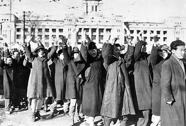 Корейцы в Сеуле протестуют из-за отказа дать Корее немедленную независимость. 1946 год