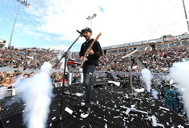 Май 2018 года. Майк Шинода. Фотография сделана на одном из концертов тура в поддержку альбома Post Traumatic