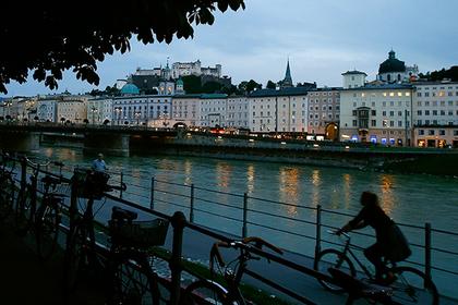 Недостаточно убедительного гея не пустили в Австрию