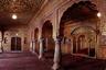 А это Ануп-Махал — роскошный зал, где махараджи принимали особо важных гостей.<br><br>Всего Амит Пасрича насчитал в Индии от 35 тысяч до 70 тысяч беспризорных, или не охраняемых государством достопримечательностей. Только в Дели их больше тысячи.