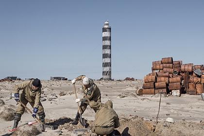 На необитаемом острове в Карском море собрали 120 тонн металлолома