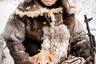 Петр Андреевич Неустроев (80 лет) — старейшина эвенкийского кочевого племени Олдойо. Он родился в семье эвенков  — наследственных скотоводов и охотников и 53 года проработал каюром (погонщик собак или оленей) в геологических экспедициях Южной Якутии от озера Токко до  Чулмана. Последние два года живет оседло в деревне. Жалуется, что ему здесь тяжело — много людей, шум и воздух не чистый. «Я и моя жена Елизавета Федоровна— мы чтим обычаи нашего народа, образ жизни предков, говорим на родном языке, гордимся нашей культурой, — рассказывает Петр Андреевич. — Мы  стараемся сделать все, что в наших силах, чтобы передать свои знания и опыт молодому поколению эвенков-скотоводов. Это наш долг».