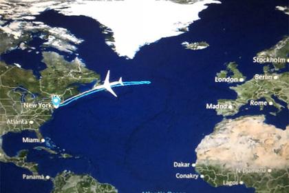 Самолет развернули над Атлантикой из-за засорившихся туалетов