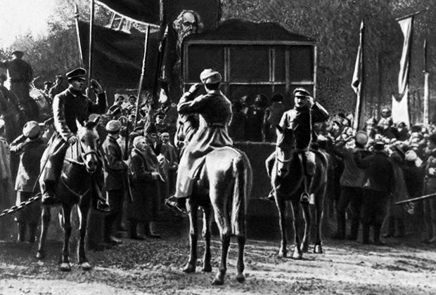 Поднятие красного флага в Ташкенте в 1917 году