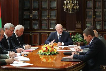 Лукашенко рассказал о желании белорусов «вешать и терзать чиновников»