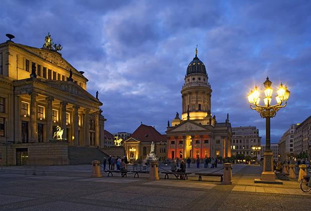Одной из самых красивых площадей Берлина по праву считается Жандарменмаркт