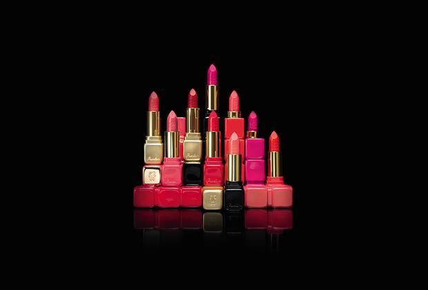 Лимитированная осенняя линейка помад KissKiss Colours of Kisses — все оттенки сексуального красного, повод и способ встретить осень во всеоружии женского кокетства.