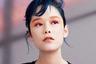 В новой линейке макияжа глаз — тушь для бровей и ресниц Brow Unlimited, карандаш для бровей Hard Formula и Brow Sword, жидкая подводка Waterpain Ink. «В этом сезоне основной акцент делается на нанесение цвета в несколько слоев для создания сногсшибательного взгляда», — отмечает креативный директор японской марки Какуясу Учииде.