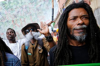 Они научились зарабатывать на марихуане, не продавая ее