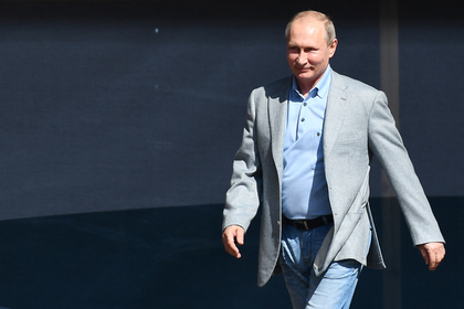 Названа цена подарка президента России В. Путина на свадьбу главы МИД Австрии