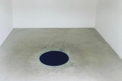 Турист провалился в «черную дыру» на выставке Аниша Капура