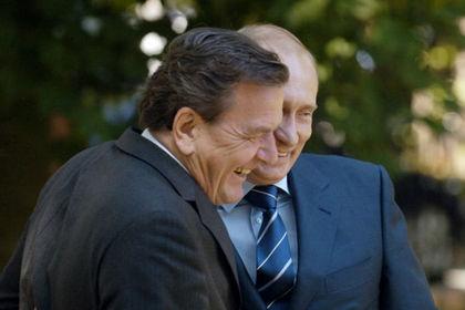 Герхард Шредер и Владимир Путин, 2005 год