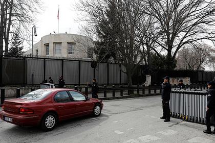 Неизвестные обстреляли посольство США в Турции и уехали