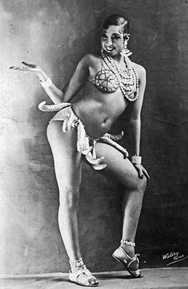 Жозефина Бейкер исполняет свой коронный banana dance