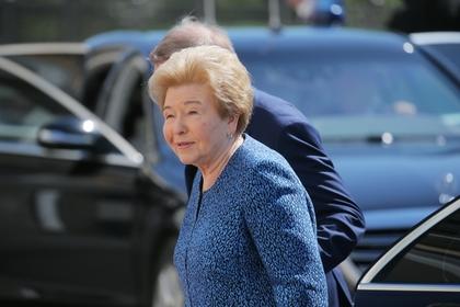 Наина Ельцина обвинила Руцкого в предательстве
