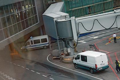 Возбуждено дело об избиении полицейскими мужчины в аэропорту Домодедово