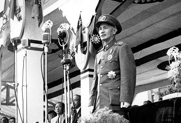 Чан Кайши на параде. 1952 год