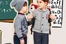 Самые маленькие дети ходят в подготовительные классы элитных школ в мягких и удобных трикотажных брюках, свитерах и кардиганах с эмблемой своего учебного заведения на груди.