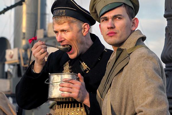 Шаурма, бургеры и фалафель: кто научил москвичей вкусно питаться: Явления: Ценности: Lenta.ru
