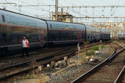 Пассажирский поезд сошел с рельсов в Марселе