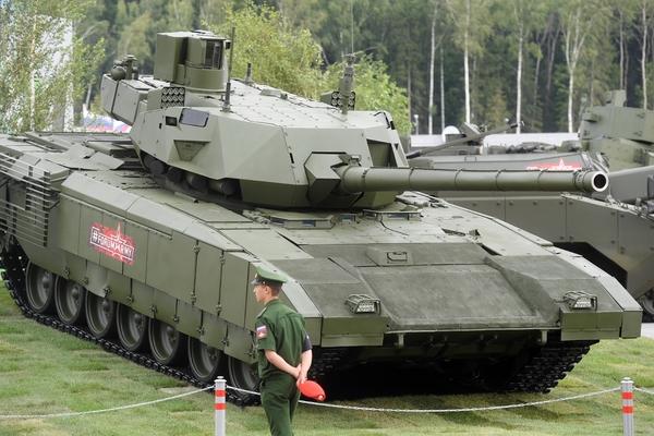 Танк Т-14 «Армата» на форуме «Армия-2018»