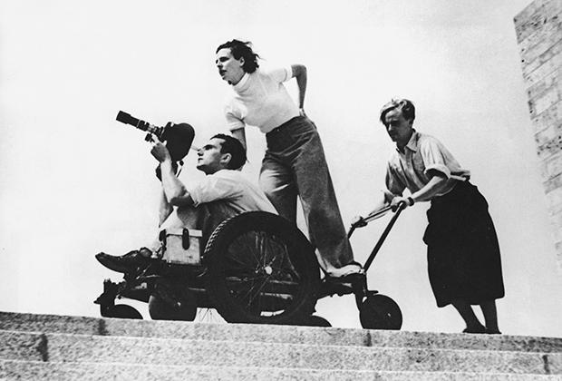 Лени Рифеншталь на съемках фильма «Олимпия» в 1936 году