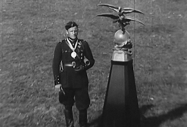 Герберт Цукурс после вручения очередной награды
