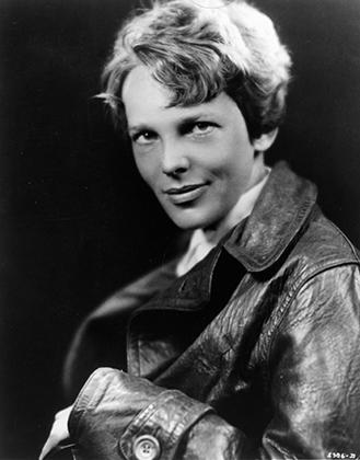 Амелия Эрхарт в пилотской куртке (ноябрь 1930 года)