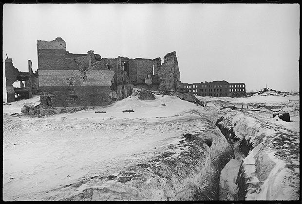 Линия немецкой обороны на окраинах Ржева. 1943 год.