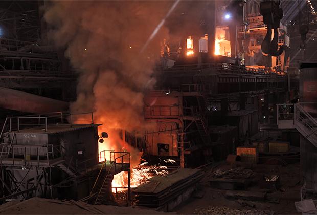 Сталеплавильный комбинат в Кузбассе