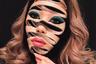 Канадская художница Мими Чхве фотографируется с сюрреалистическим макияжем. По ее словам, многие работы основаны на ярких и порой пугающих видениях, которые возникают при сонном параличе. «Я подпитываю ими свое творчество, — утверждает она. — И самое странное, что после того как я воспроизведу определенный облик, это видение больше не возвращается».