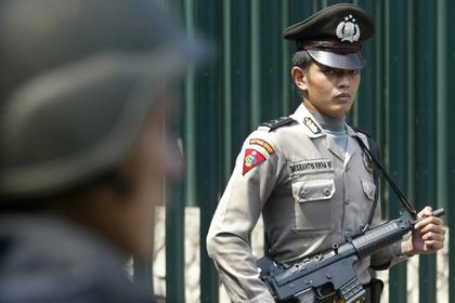Посаженную за аборт индонезийку помиловали