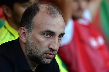 Тренер «Анжи» пожалел футболистов с зарплатой в 100 тысяч рублей