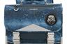 Ранец из водоотталкивающих материалов со светоотражающими элементами и множеством внутренних карманов из коллекции, посвященной киносаге «Звездные войны», понравится детям своим космическим дизайном, а взрослым — тем, что примерно так выглядели ранцы в их школьном детстве. В пару к портфелю можно подобрать «космический» пенал.