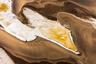 Одно из первых мест, которые Майкл Полица рекомендовал к посещению в Намибии, — портовый город Уолфиш-Бей на юго-западном побережье Африки. Здесь чрезвычайно сухая пустыня Намиб встречается с Атлантическим океаном.  <br> <br> На языке нама слово «Намиб» означает «место, где ничего нет». Именно там с высоты птичьего полета Полица сделал этот снимок.