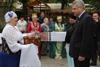 Сергей Козлов (справа)