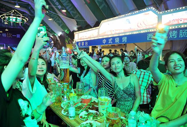 Фестиваль пива в городе Циндао, провинция Шаньдун