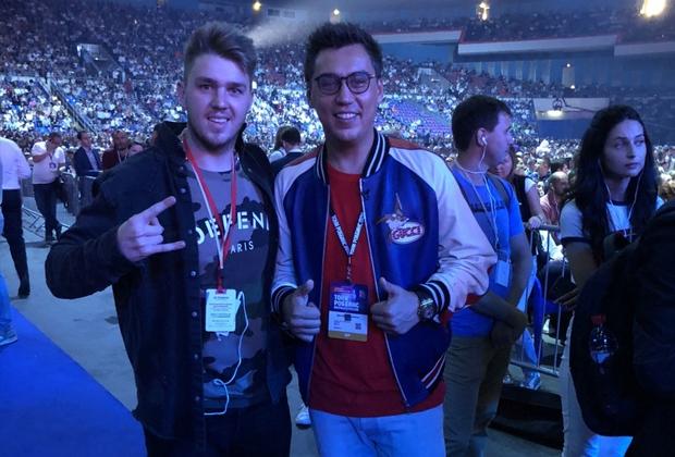 Дмитрий Портнягин (справа)