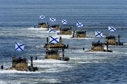 Минобороны Японии обнаружило рекордное число кораблей ВМФ РФ : эскадра прошла через пролив