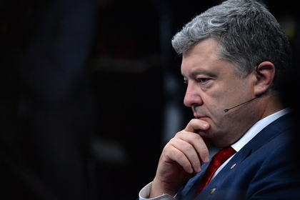 Порошенко решил узаконить приветствие «Слава Украине» в армии
